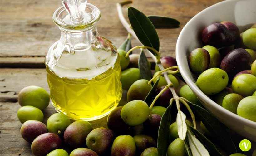 Olio d'oliva, scorte solo per altri 6 mesi ed il prezzo rincara del 43% - foto viversano.net