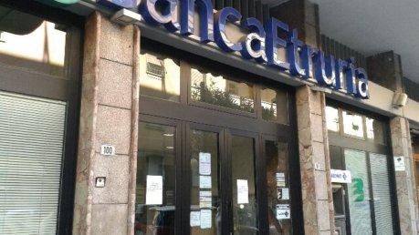 Processo Banca Etruria, assolti i tre imputati: non ci fu ostacolo alla vigilanza - Foto Il Giornale