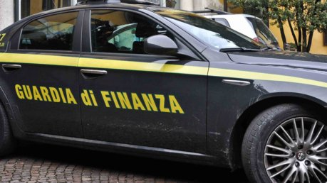 roma arrestati avvocati e medici per falsi sinistri stradali