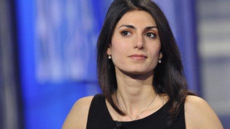Roma, tweet di Virginia Raggi contro il corteo di Forza Nuova
